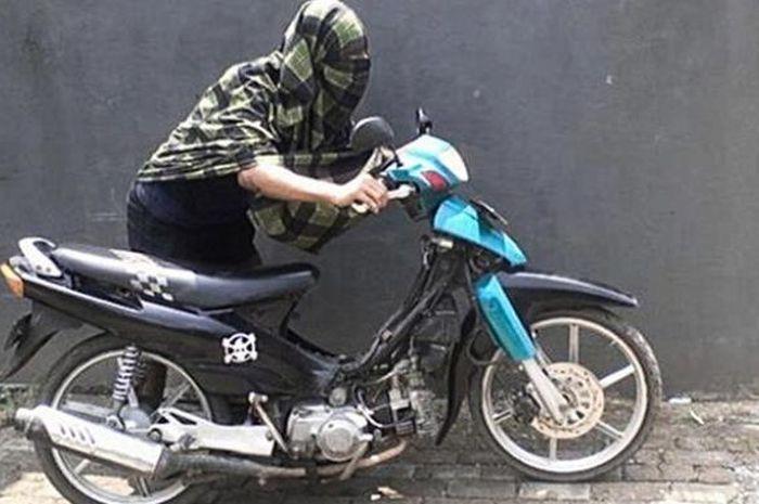 Butuh Uang Untuk Judi Online, 3 Pemuda di Aceh Nekat Curi Motor Polisi